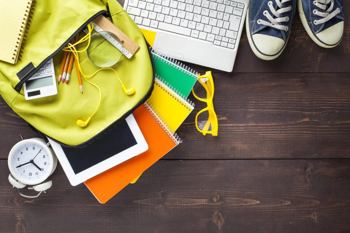 Tudo o que precisa saber para encomendar manuais escolares | Unibanco