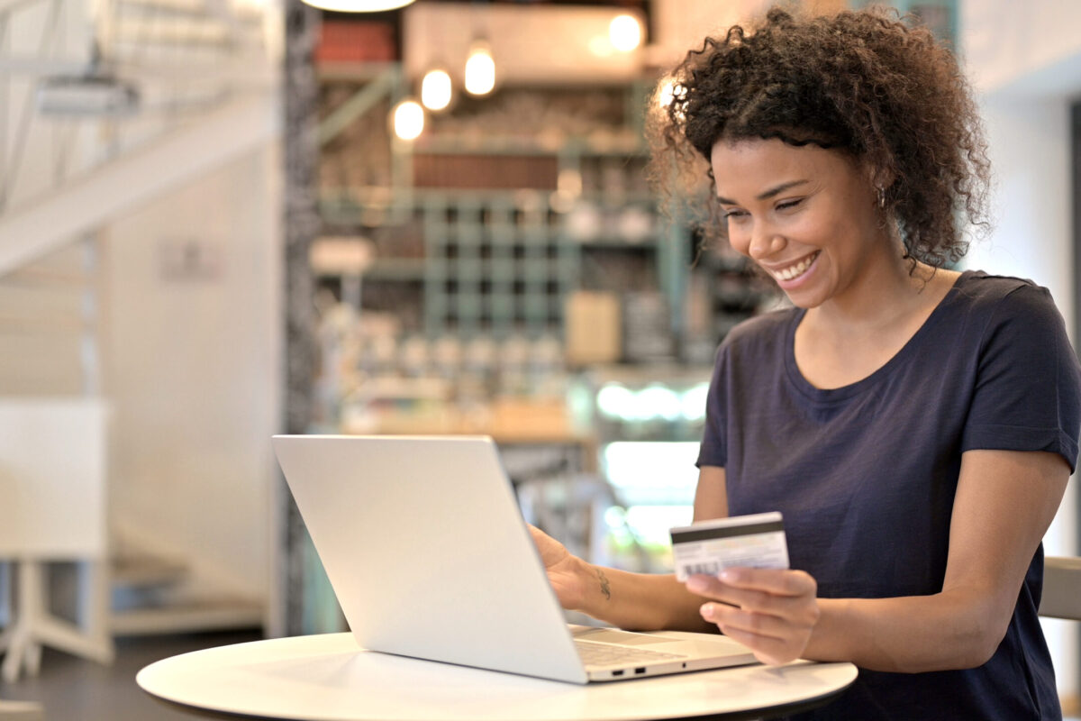 Shopstreaming, a nova forma de fazer negócios pela internet | Unibanco