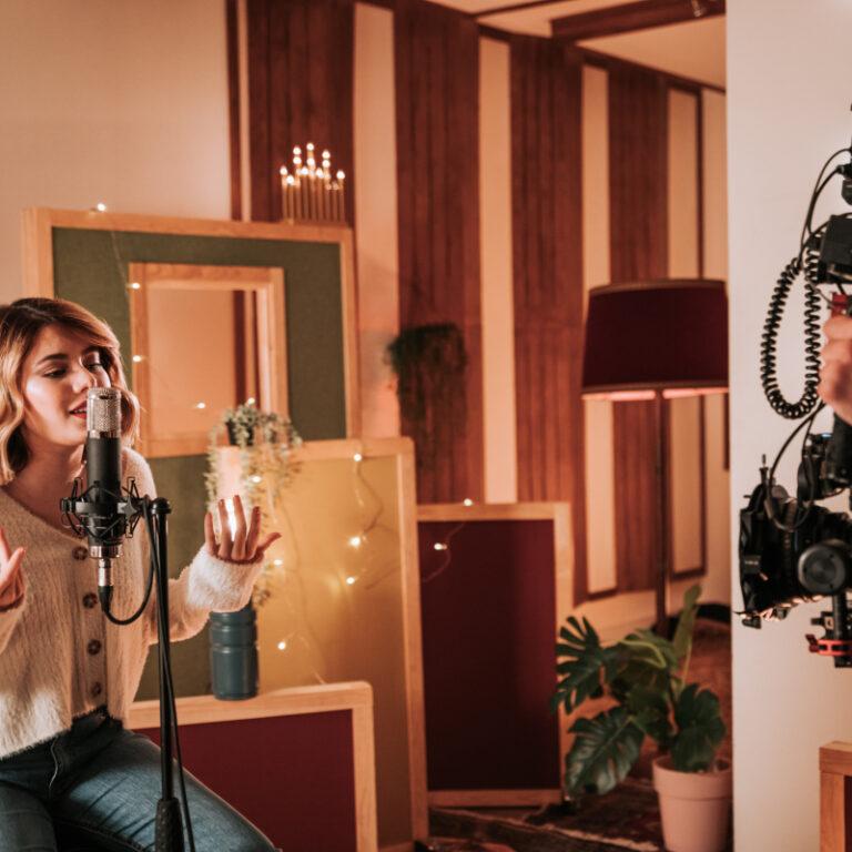 Conta Comigo: UNIBANCO e Bárbara Tinoco juntos numa canção de Natal | Unibanco